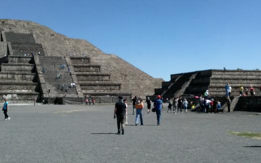 Site Archéologique de  THEOTIHUACAN ou cité des Dieux