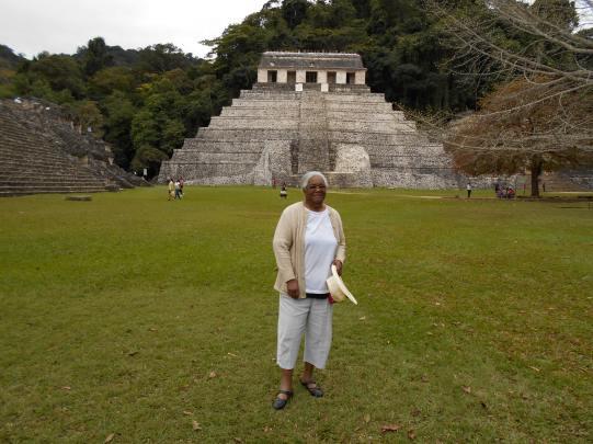 DSCN0050 c'est  dans ce temple que fut découverte la tombe du Roi Pakal