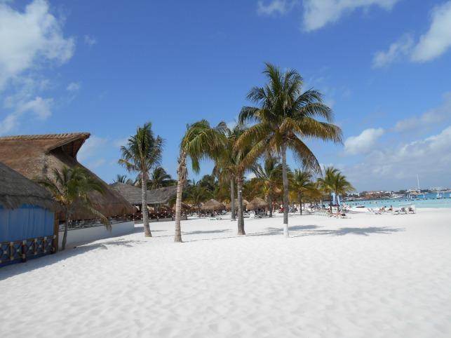DSCN0143 sable blanc et ses eaux turquoises