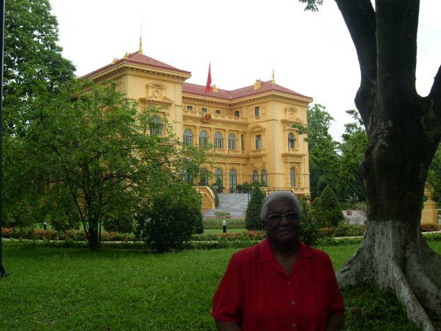 Le Parlement à Hanoi avec Jeanne