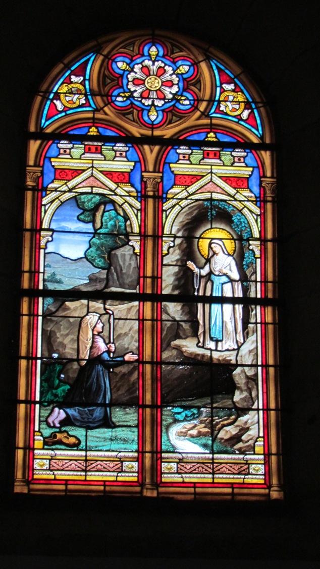 2015-06-06-Villeneuve d'Amont-Un vitrail de l'église