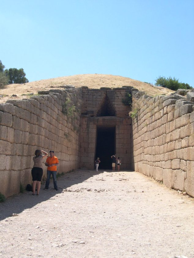 à Mycenes le tombeau du Roi Agamemnon