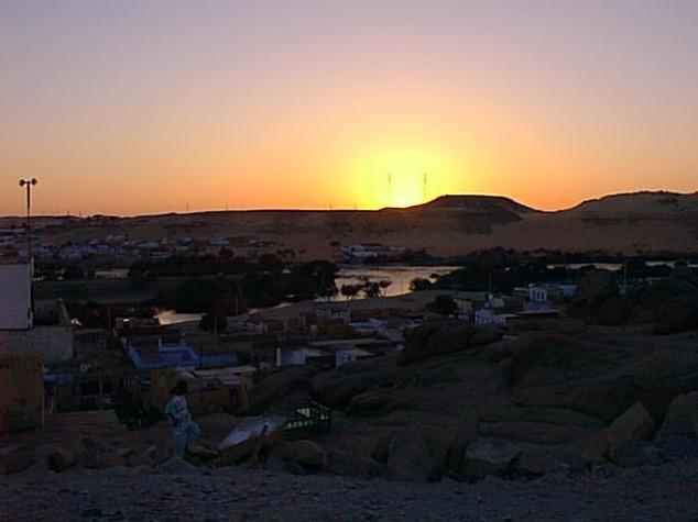 coucher de soleil Au village Nubien