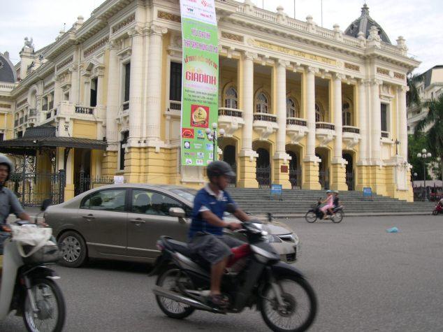Le Théatre à Hanoi 1