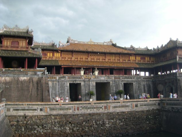 Visite de la Cité Impériale des Nguyen porte de l'ouest