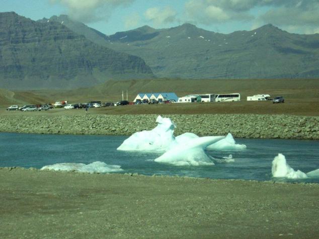 Volcan et glacier