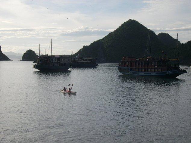 La Baie d'Halong à l'aurore 2