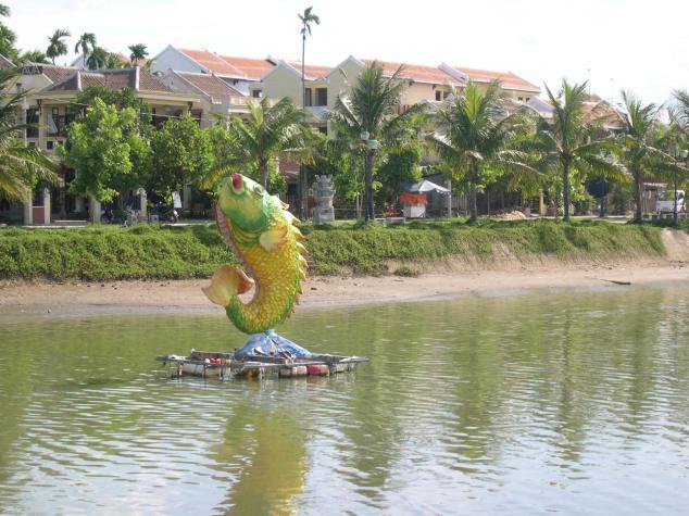 Maisons à Hoian et leur petit canal 2