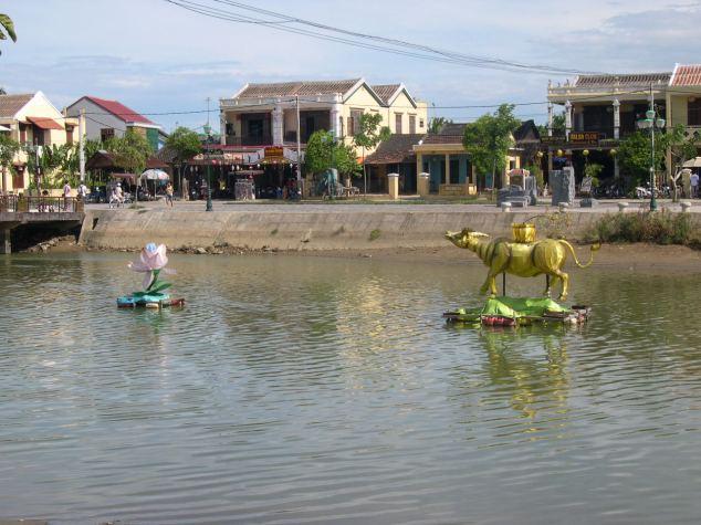 Maisons à Hoian et leur petit canal