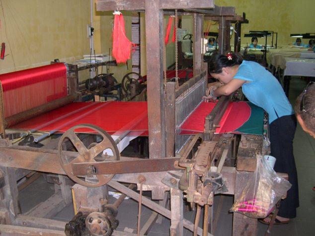 ouvrière tissants la soie