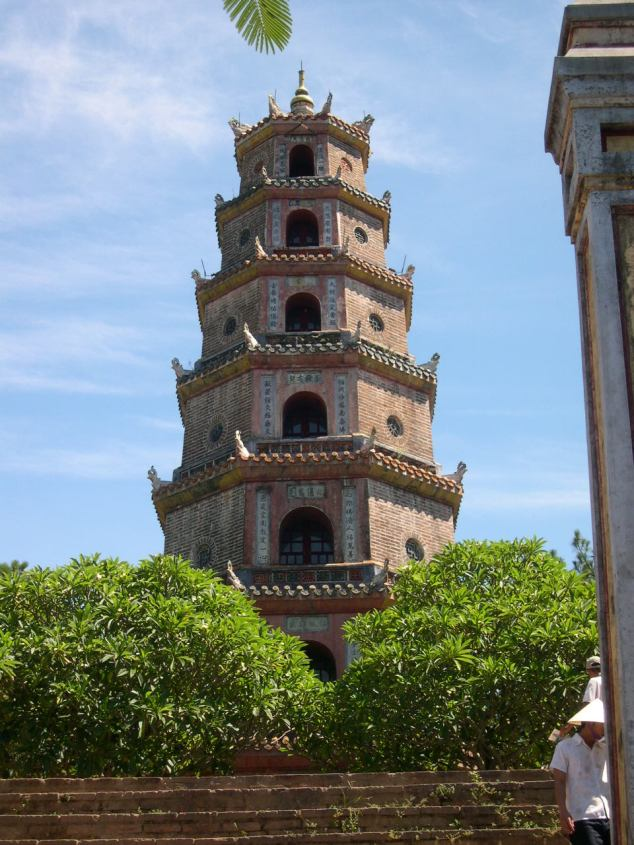 Visite de la Pagode de la Dame Céleste construit en 1601