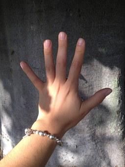 hand-499761__340